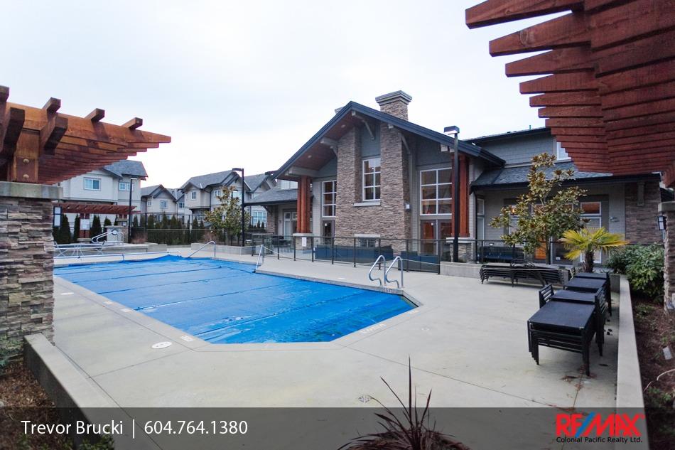 163 2450 161a Street Glenmore Townhouse Complex South Surrey White Rock Grandview Corner