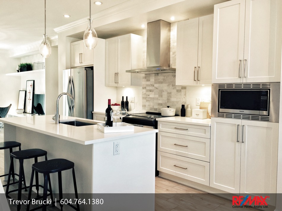 Paxton townhomes brand new end unit available 6 2550 for Townhome layouts